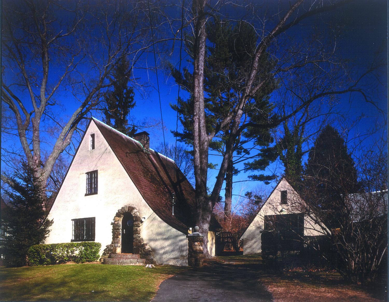 Croton Cottage View 1; Photo: Paul Warchol